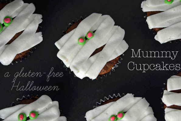 Halloween Cupcake Mummies &#038; Ghosts