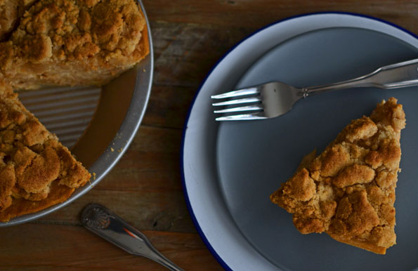 Sour Cream Apple Pie with Crumble Topping