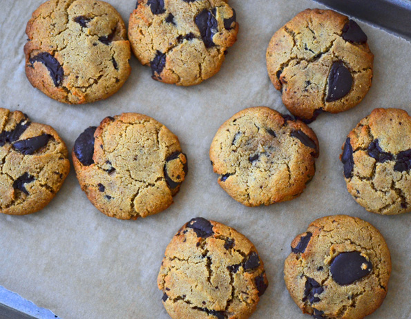 Grain-Free (Paleo like) Thick & Chewy Chocolate Chip Cookies
