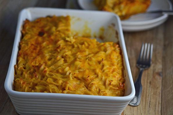Lighter & Healthier Gluten-Free Mac & Cheese