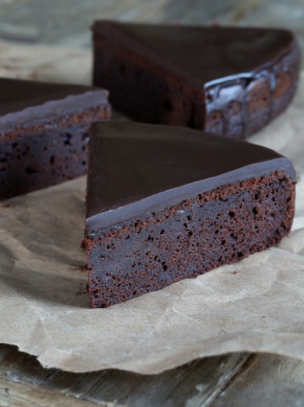 Chocolate Cake Images Free : One Bowl Gluten Free Chocolate Cake - Great gluten free ...