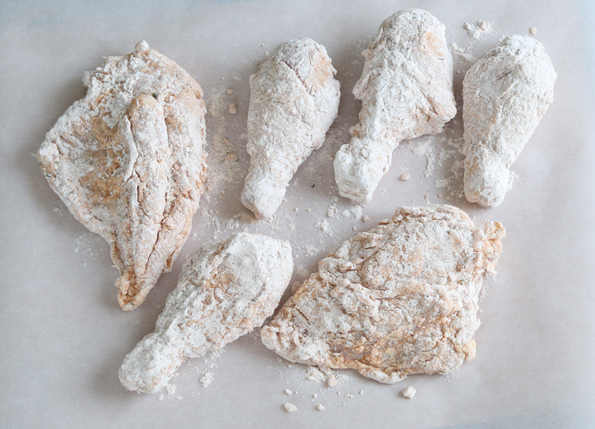 Missing that extra-special blend of 11 herbs and spices in KFC chicken now that you're gluten free? This gluten free fried chicken will be a welcome addition to your family traditions! http://glutenfreeonashoestring.com/gluten-free-fried-chicken-kfc-style/