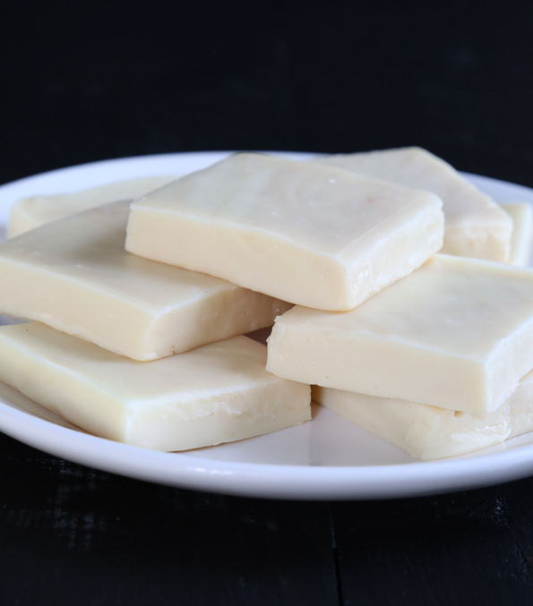 Easy White Chocolate Fudge Without Condensed Milk