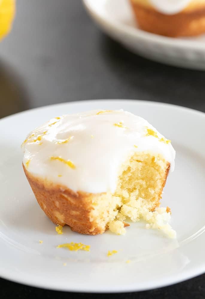 Gluten Free Lemon Cupcakes   Lemon Glaze