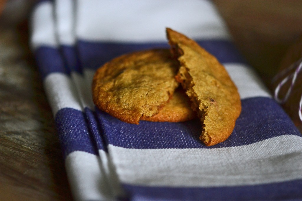 A close up of a cookies on a towel