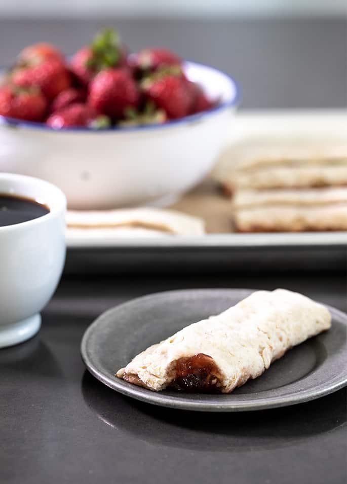 Gluten Free Breakfast Bars | A Nutri-Grain Style Recipe
