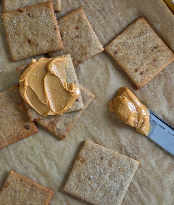 Gluten Free Crackers: Wheat Thins Copycat Recipe