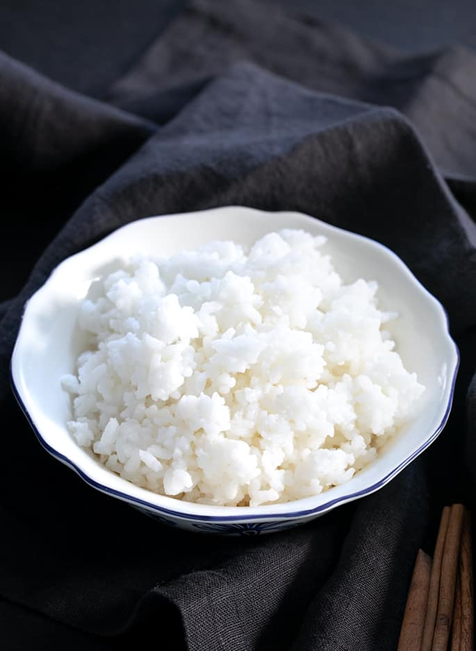 Learn how to make rice pudding with any kind of rice, whether it's cooked or raw, and with any kind of milk. All it takes is a few basic ingredients to serve it warm or cold.