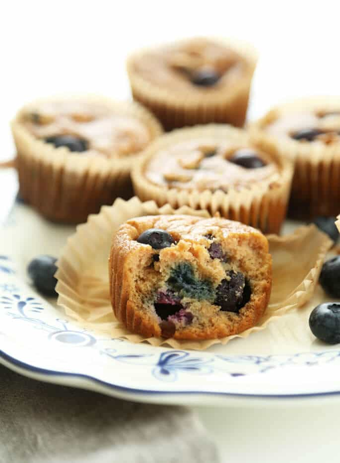 hese Paleo blueberry muffins are the healthy, low-carb gluten free breakfast solution you've been looking for. Made with coconut flour, but they're not eggy, like baked goods made with coconut flour can tend to be.