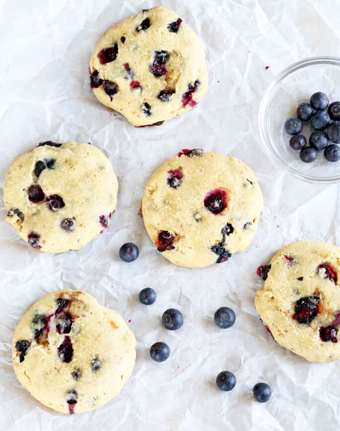 All the taste of cheesecake in a neat little gluten free blueberry cheesecake cookie. Summer perfection!