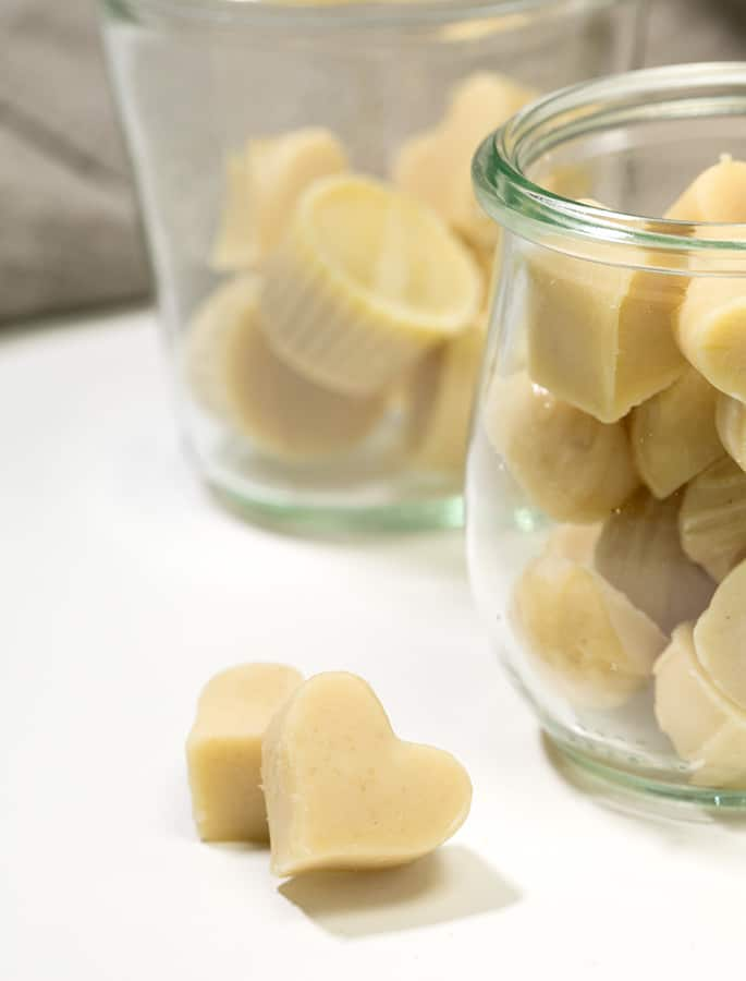 Learn to make homemade vegan white chocolate with this easy recipe. Just 6 simple ingredients!