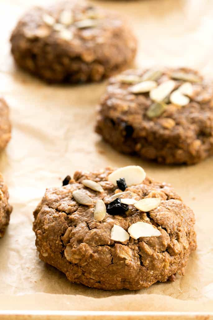 These pumpkin oatmeal breakfast cookies are a healthy way to get your family started in the morning with all the best tastes and smells of the fall season.