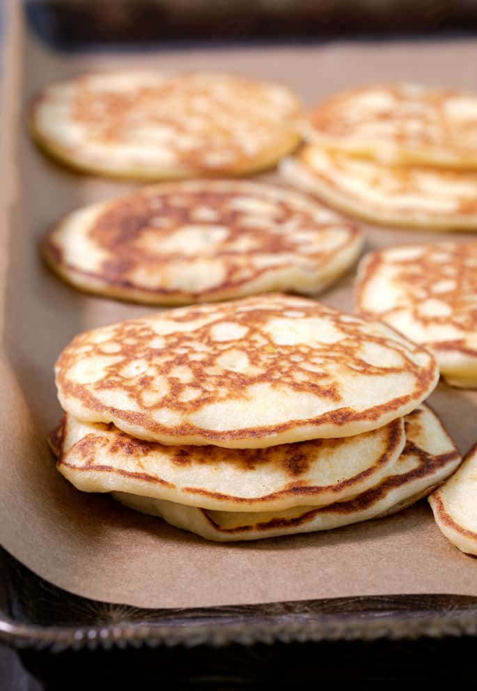 This healthy pancake recipe is going to become a family favorite, whether you're on Weight Watchers or not. Each fluffy pancake has just one SmartPoint—and no banana!