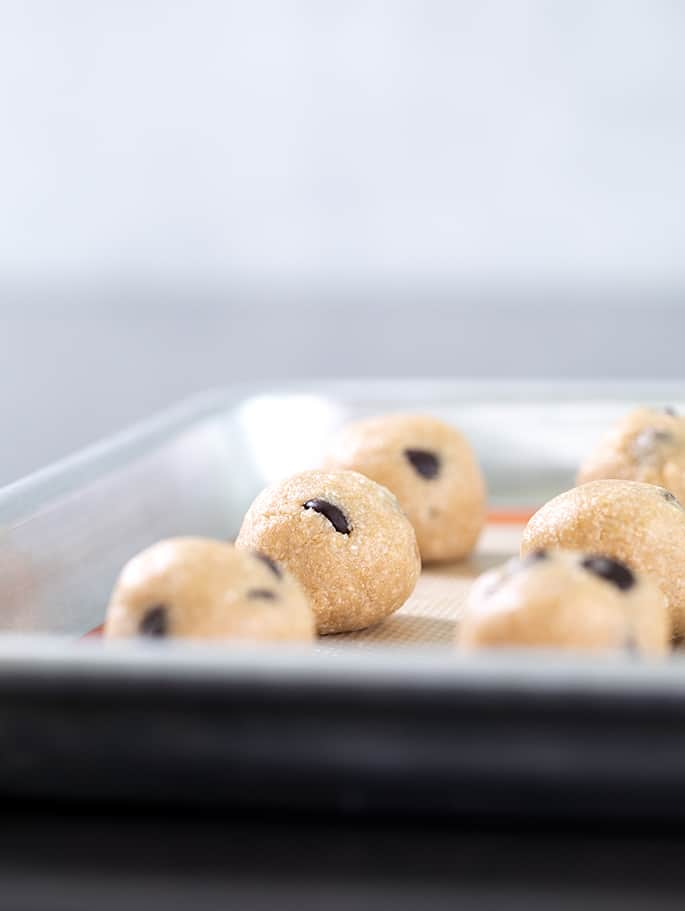 Just for eating, not baking, this eggless edible cookie dough recipe is made with oats for a safe, delicious treat—all without turning on the oven. Have your dough and eat it too!