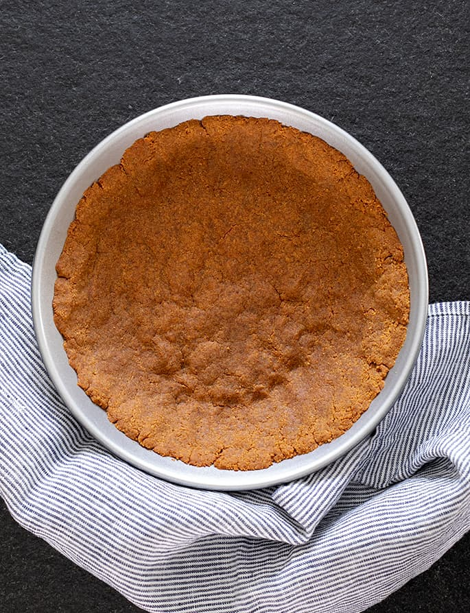 Learn how to make your own gluten free graham cracker crust and a whole world of easy pies of all sizes is within reach!
